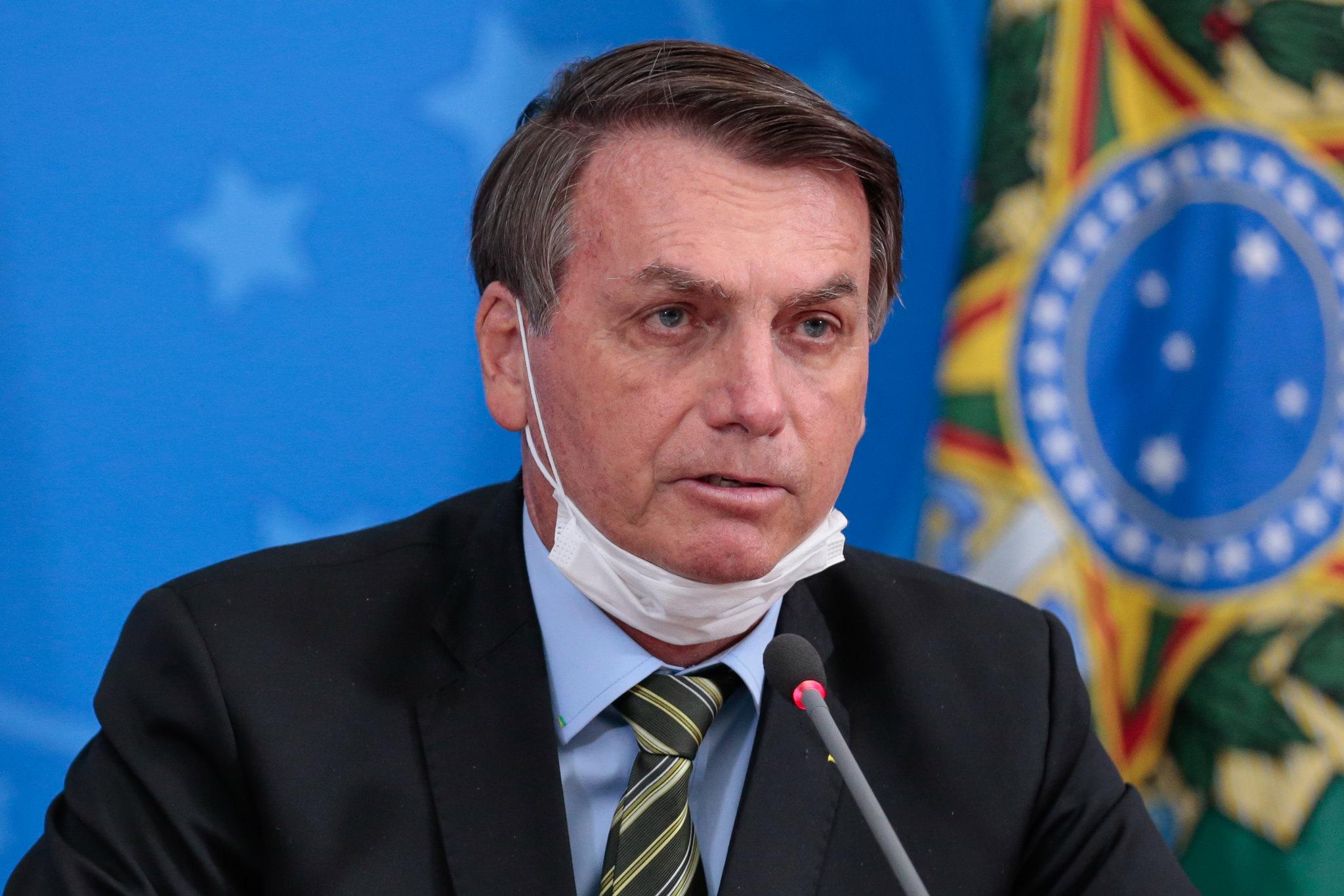 Bolsonaro edita MP que trata das relações trabalhistas durante pandemia e recua sobre suspensão dos contratos de trabalho