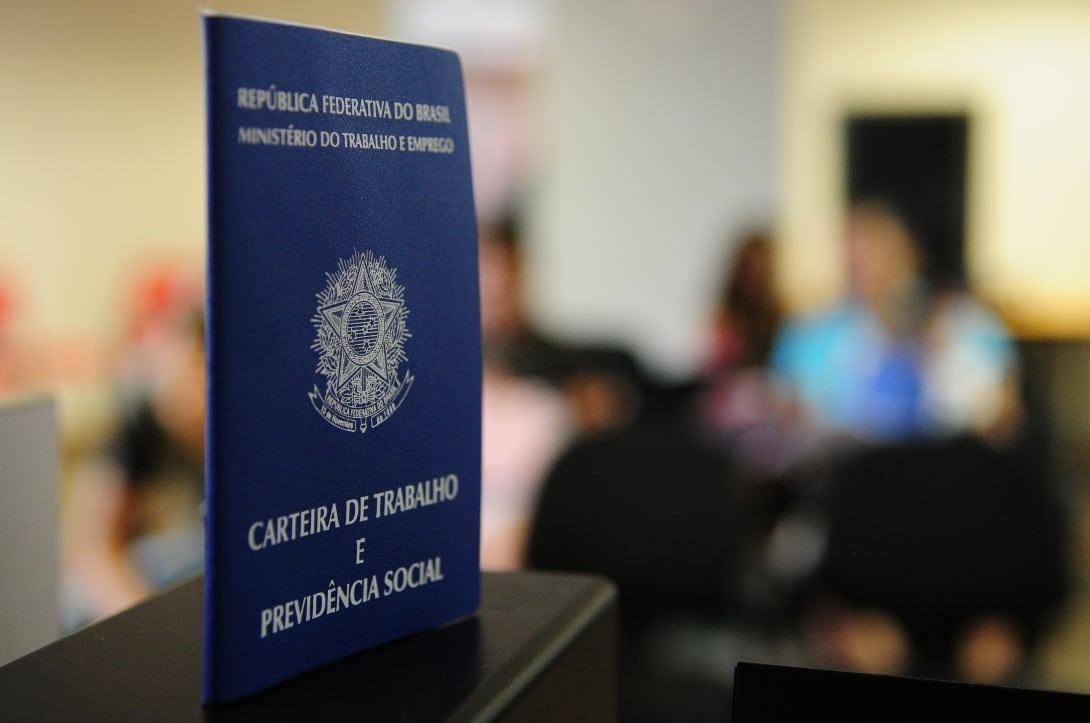 Governo edita decreto que amplia prazo para suspensão de contratos de trabalho e redução da jornada